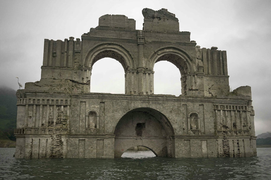 submerged-church-emergence-temple-santiago-quechula-mexico-7