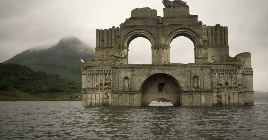 submerged-church-emergence-temple-santiago-quechula-mexico-8