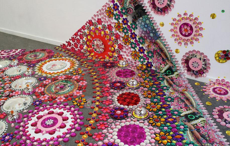 thousand-pieces-kaleidoscopic-installations-suzan-drummen-netherlands-1