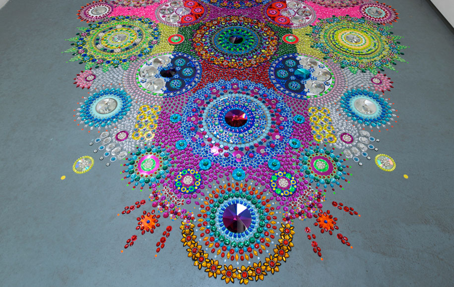 thousand-pieces-kaleidoscopic-installations-suzan-drummen-netherlands-6