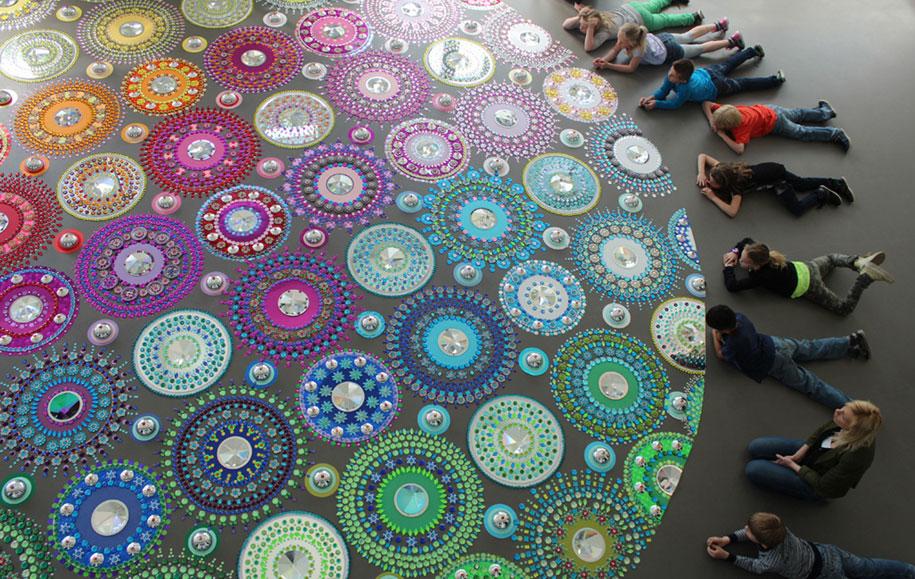 thousand-pieces-kaleidoscopic-installations-suzan-drummen-netherlands-9