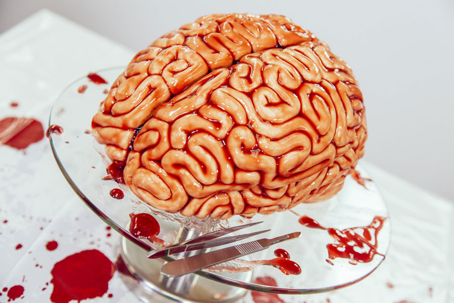 zombies-walking-dead-human-brain-cake-yolanda-gampp-how-to-cake-it-17-2