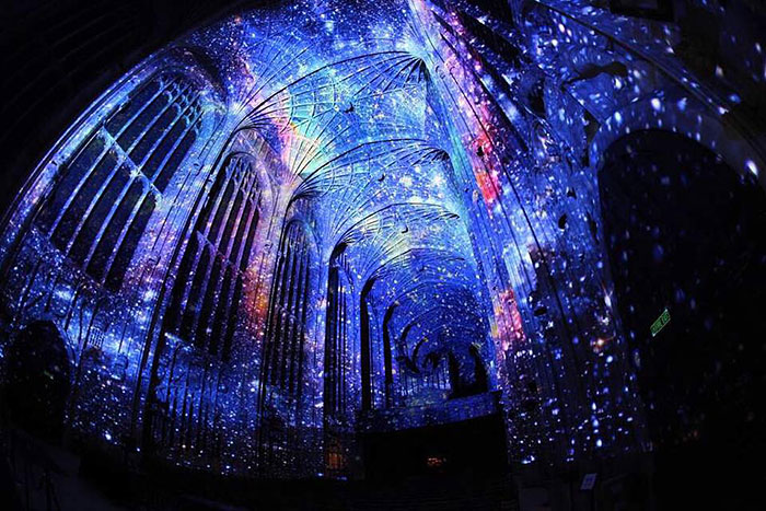 kings-college-chapel-immersive-projection-dear-world-yours-cambridge-miguel-chevalier-12