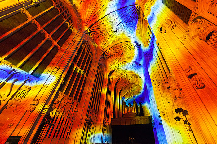 kings-college-chapel-immersive-projection-dear-world-yours-cambridge-miguel-chevalier-9