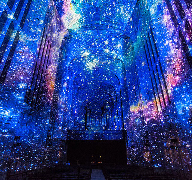 Millions Of Stars Decorate Cambridges Chapel In Mesmerising - Projection mapping turns chapel into stunning work of contemporary art