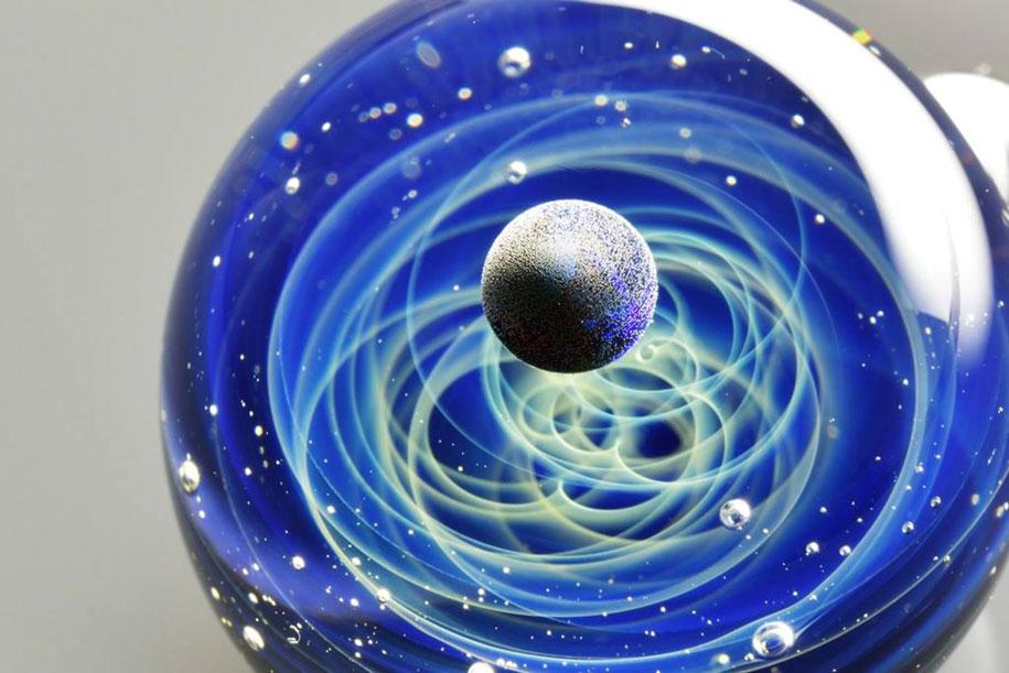 planets-galaxy-glass-pendants-space-glass-satoshi-tomizu-18