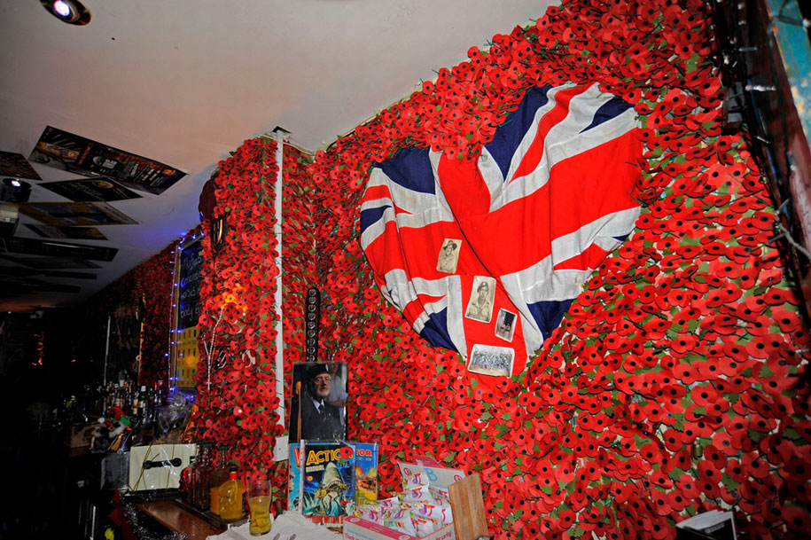 remembrance-day-veteran-soldier-memorial-poppies-julia-cooper-don-pub-7