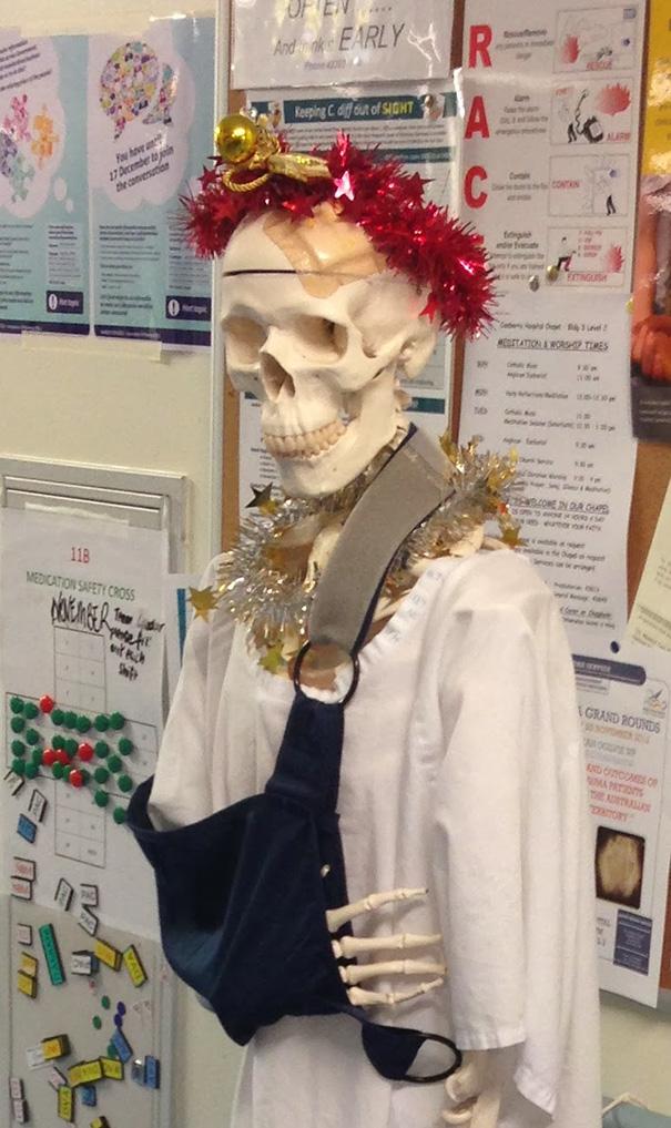 christmas-holiday-hospital-decorations-6