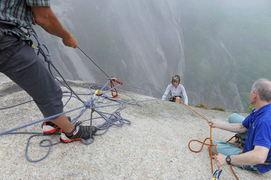 extreme-wedding-350ft-cliff-photography-jay-philbrick-249
