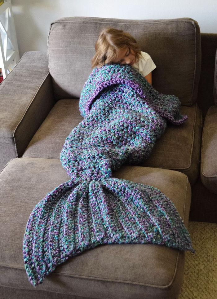 knitted-mermaid-tail-melanie-campbell-cassjamesdesigns-5