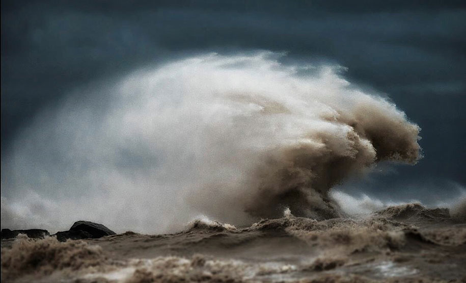 large-scary-waves-ocean-lake-erie-dave-sandford-7