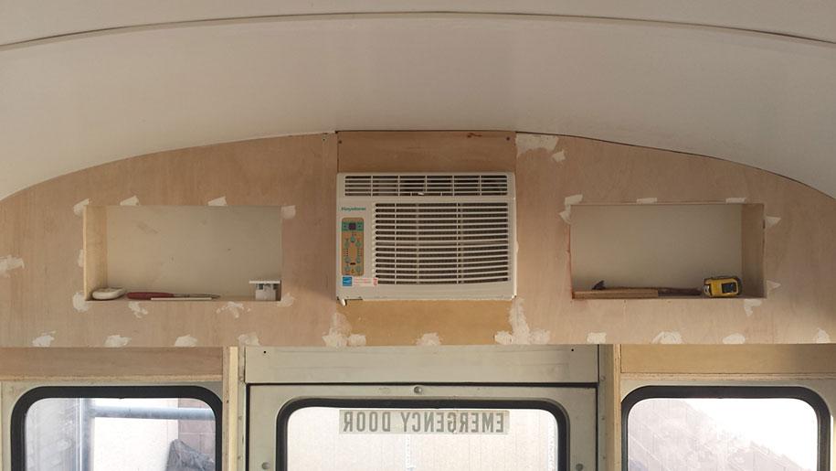 mobile-school-bus-home-travel-patrick-schmidt-10