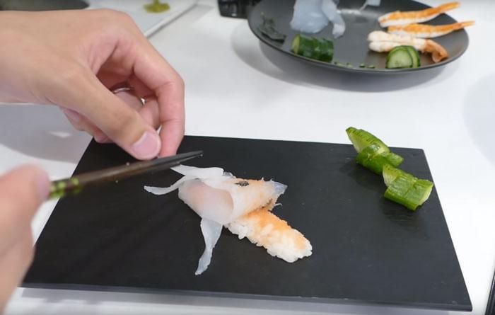 real-life-swimming-koi-sushi-tutorial-junskitchen-8