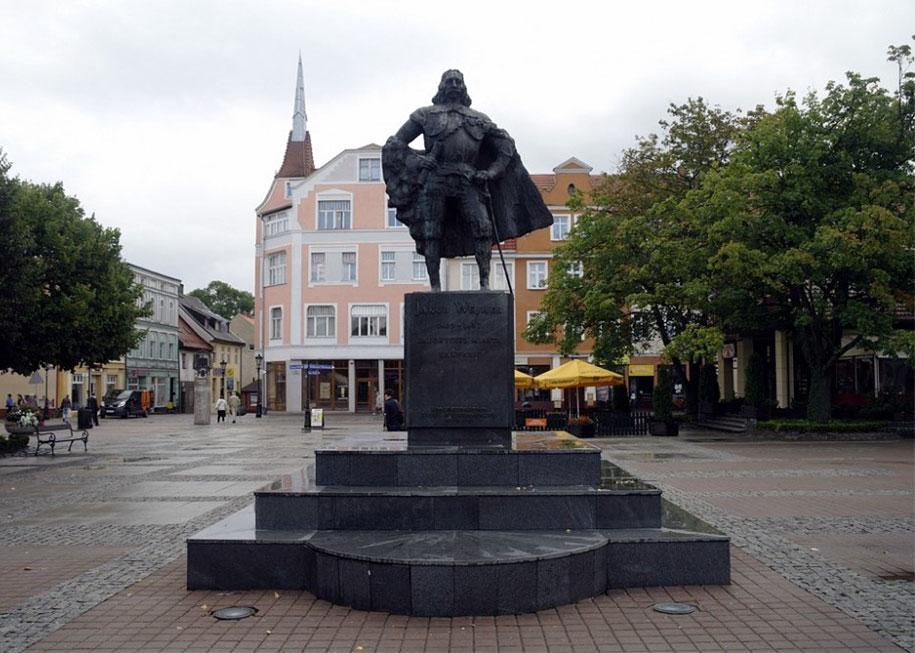 darth-vader-statue-jakub-weiher-wejherowo-poland-2