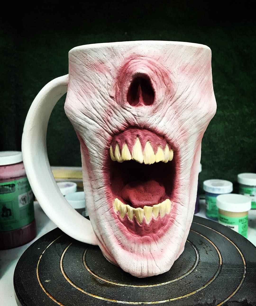 horror-zombie-mug-pottery-slow-joe-kevin-turkey-merck-4