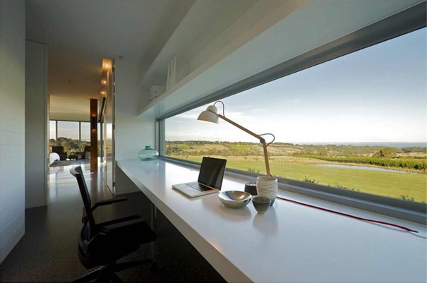 minimalist-desk-workplace-minimal-setups-10