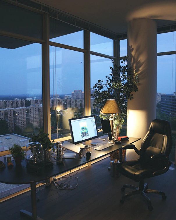 minimalist-desk-workplace-minimal-setups-13