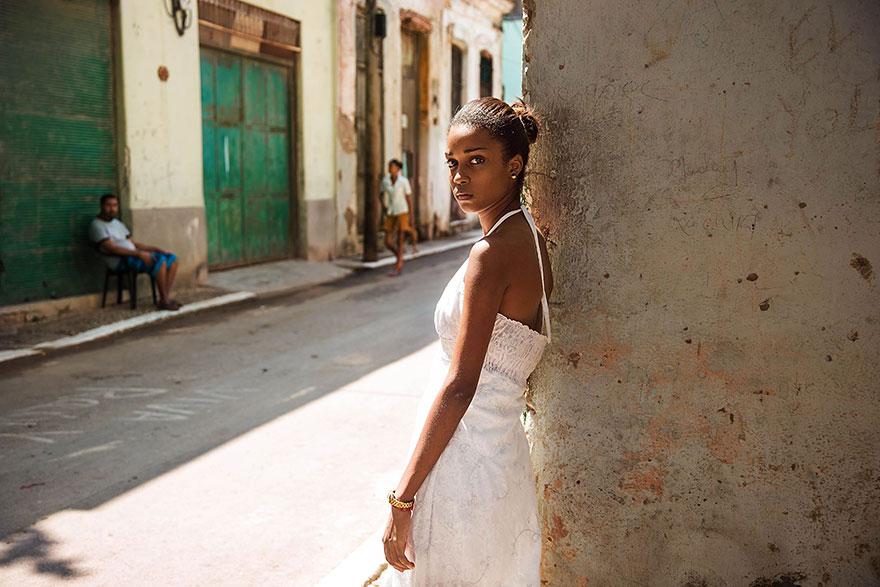 women-photos-world-atlas-beauty-mihaela-noroc-23