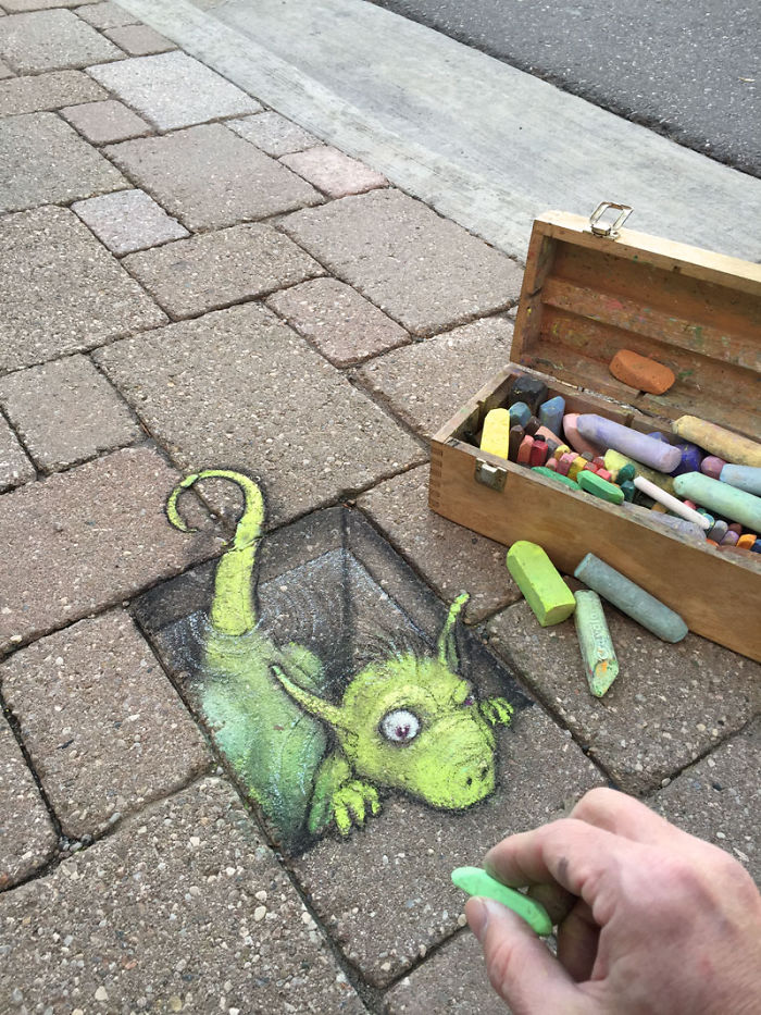 adorable-chalk-drawn-creatures-sidewalk-david-zinn-10
