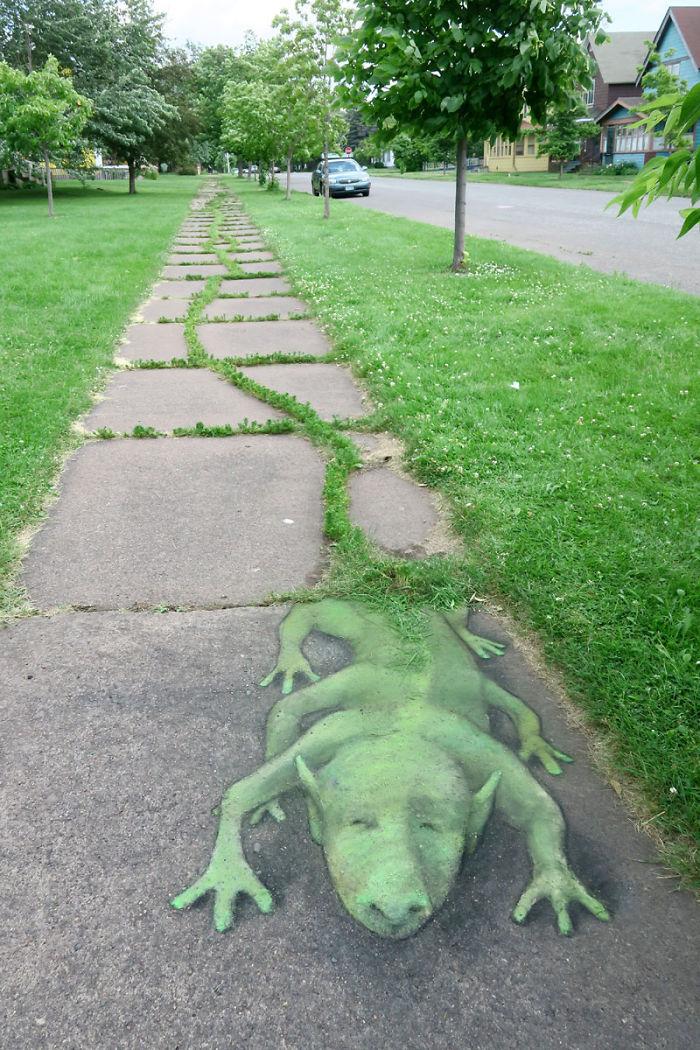 adorable-chalk-drawn-creatures-sidewalk-david-zinn-6