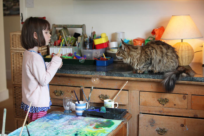 autistic-artist-painting-iris-grace-therapy-cat-thula-23