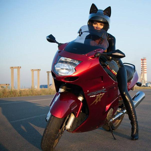 cat-ear-helmets-motorcycle-neko-nitrinos-motostudio-7