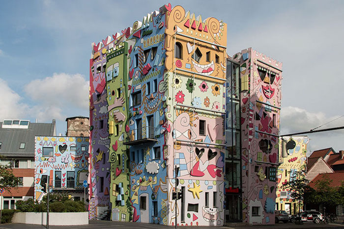colorful-psychedelic-cartoon-buildings-james-rizzi-germany-1-2