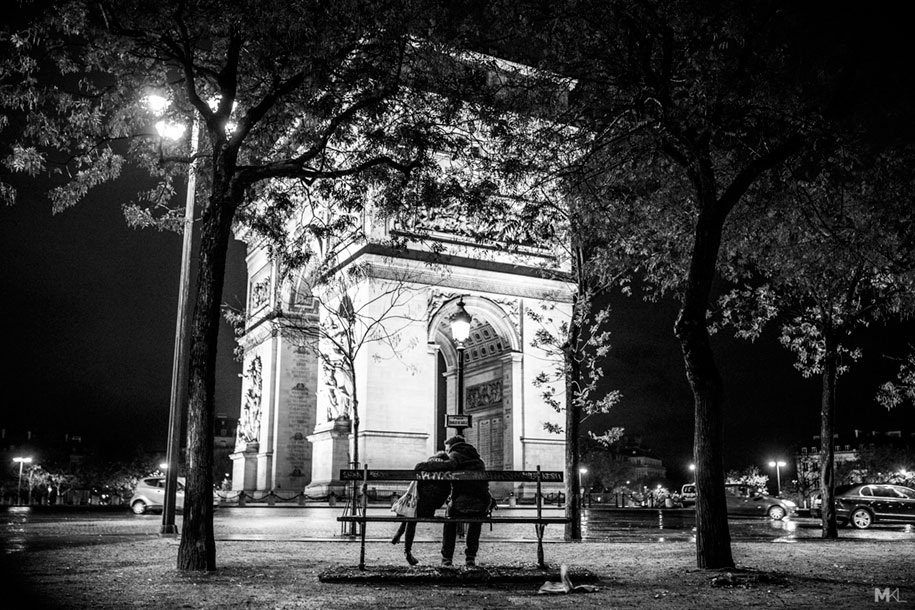 Couples kissing hugging public spaces black white photography