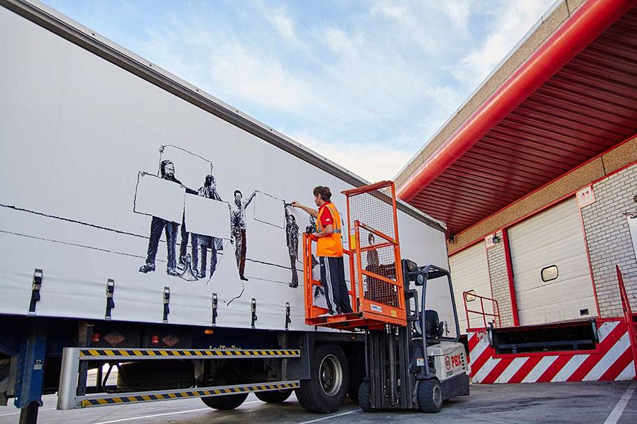 moving-graffiti-trucks-project-spain-10