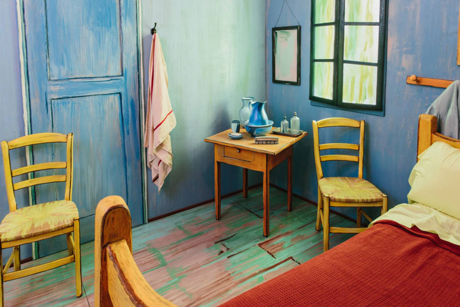 van-gogh-bedroom-airbnb-art-institute-chicago-6