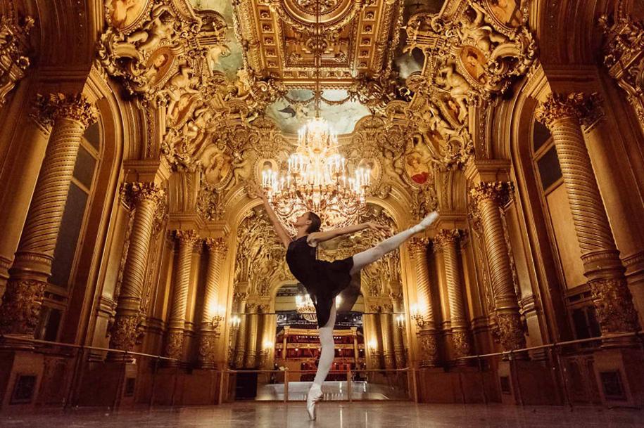 behind-stage-russian-ballet-dancers-photographer-darian-volkova-1