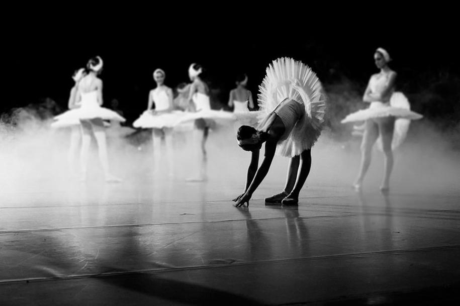 behind-stage-russian-ballet-dancers-photographer-darian-volkova-3