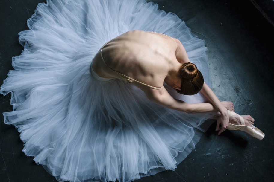 behind-stage-russian-ballet-dancers-photographer-darian-volkova-4