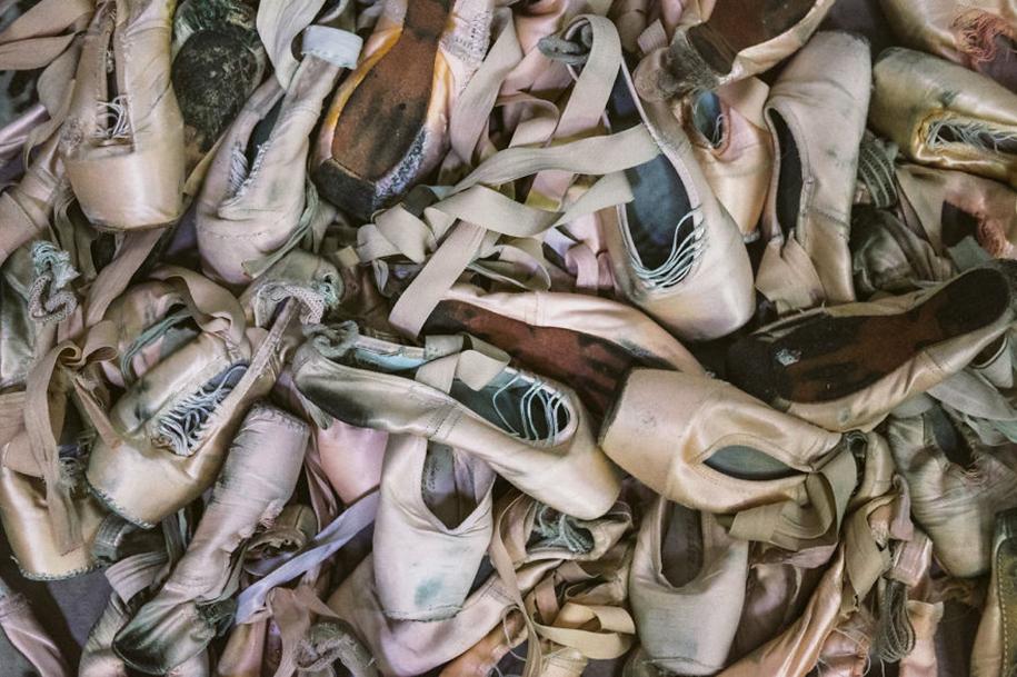 behind-stage-russian-ballet-dancers-photographer-darian-volkova-5