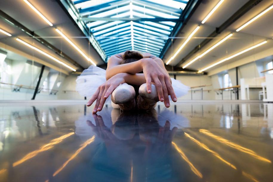 behind-stage-russian-ballet-dancers-photographer-darian-volkova-6