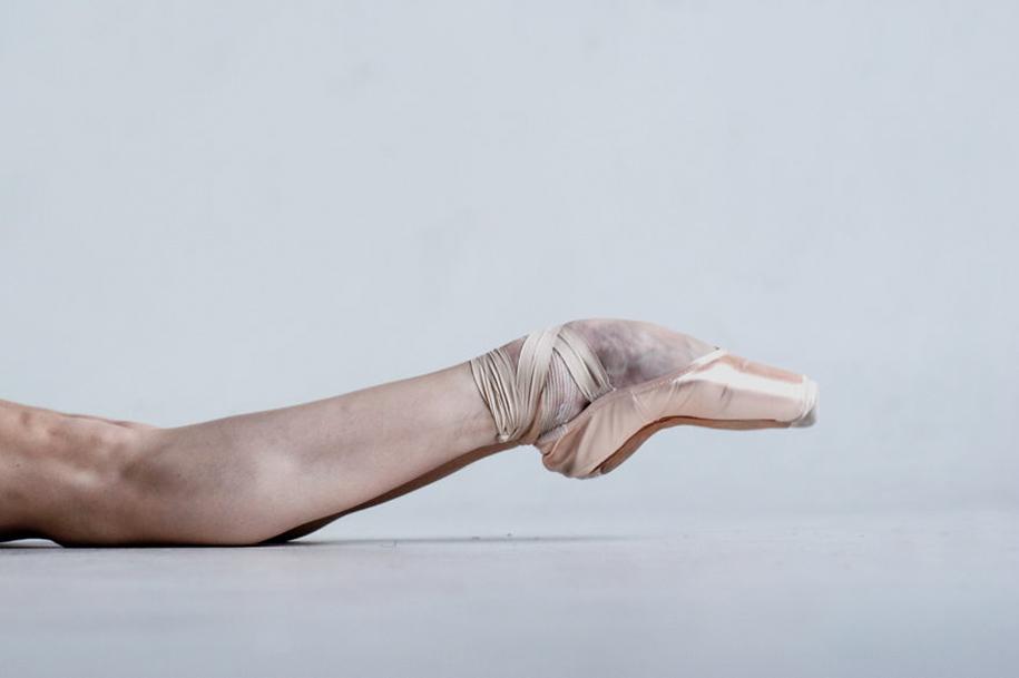 behind-stage-russian-ballet-dancers-photographer-darian-volkova-8