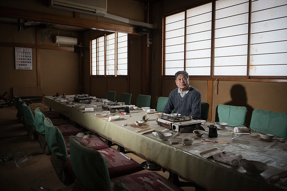 fukushima-after-nuclear-disaster-contamination-zone-ghost-town-carlos-ayest-15