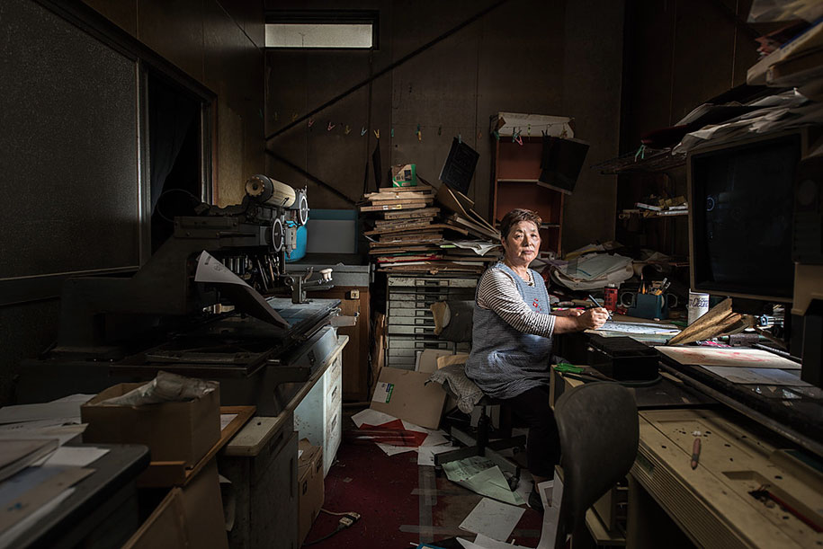 fukushima-after-nuclear-disaster-contamination-zone-ghost-town-carlos-ayest-9