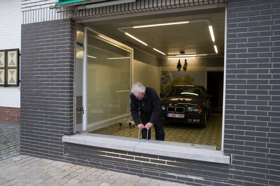 Guy Outsmarts City Counsel Garage Eric Vekeman 10
