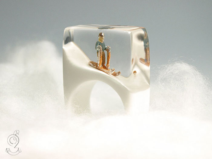 miniature-worlds-inside-jewelry-isabell-kiefhaber-germany-1