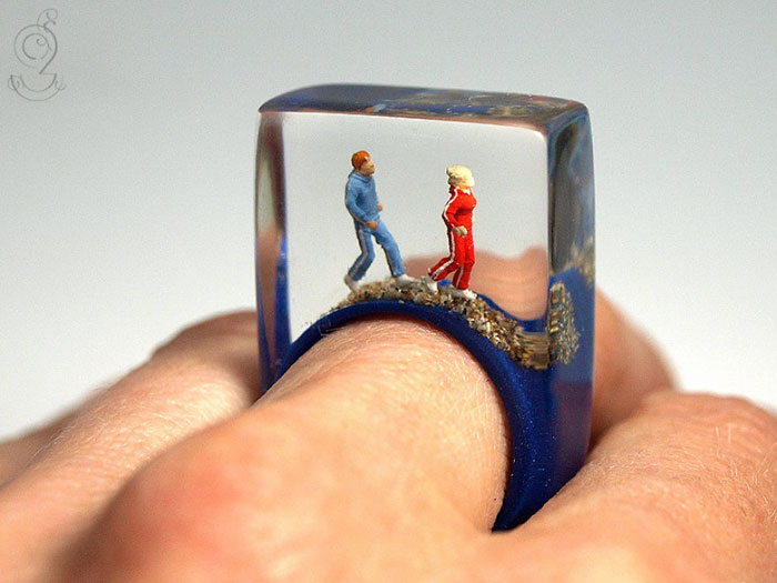 miniature-worlds-inside-jewelry-isabell-kiefhaber-germany-10