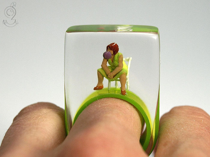 miniature-worlds-inside-jewelry-isabell-kiefhaber-germany-11