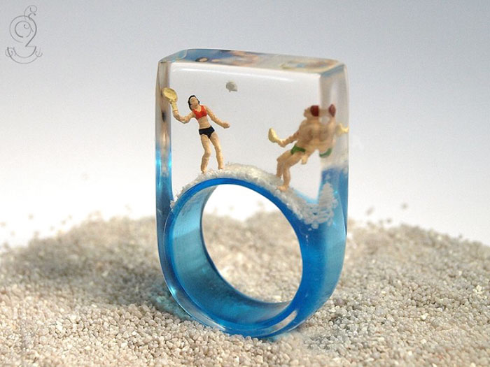 miniature-worlds-inside-jewelry-isabell-kiefhaber-germany-16