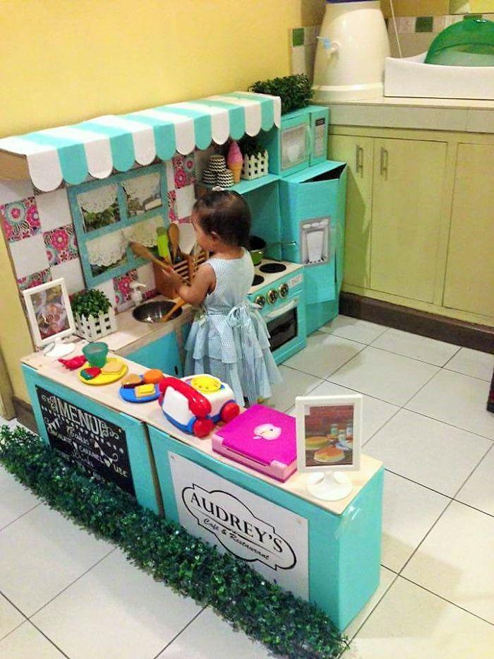 mom-makes-mini-diy-cardboard-kitchen-for-toddler1