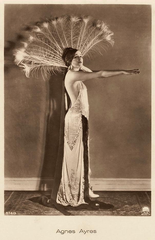 most-beautiful-women-around-the-world-1900-1910-6