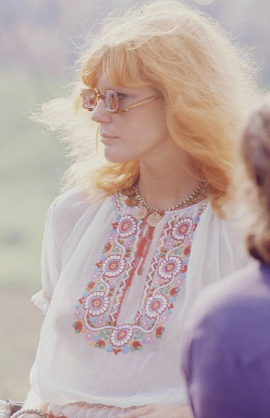 women-fashion-of-60s-woodstock-1969-3