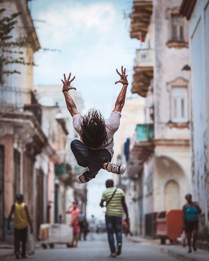 ballet-dancers-practice-on-streets-cuba-omar-robles-10