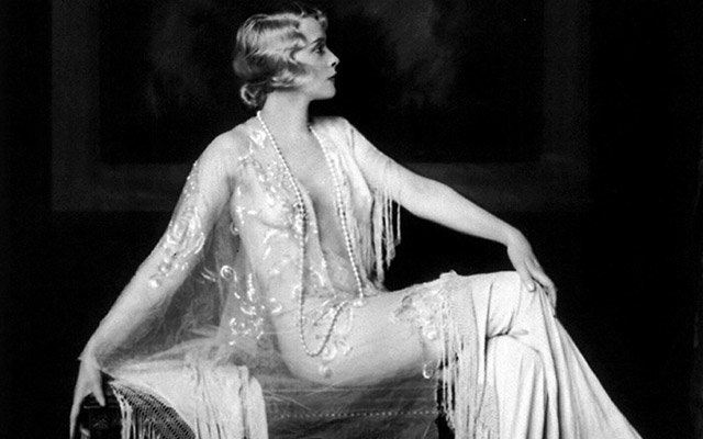 the social structure of the 1920s The structure of the great gatsby disrupted chronology class in 1920s america social mobility there were considerable social changes in the 1920s.