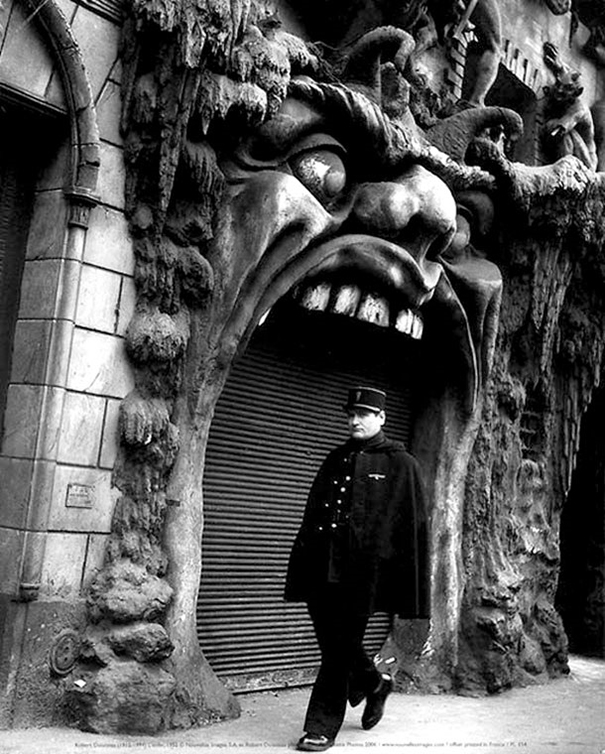 creepy-clubs-paris-1920s-cabaret-of-hell-20