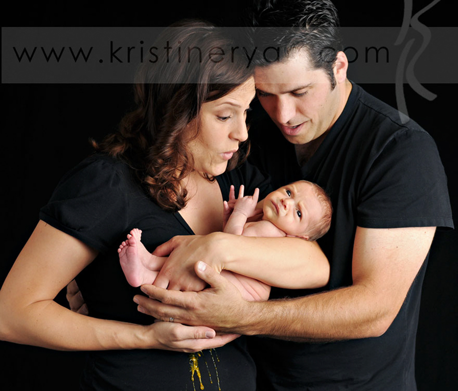 family-newborn-baby-photography-fails-7
